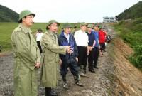 Chủ tịch UBND tỉnh Nguyễn Văn Trì kiểm tra, chỉ đạo khắc phục hậu quả bão số 10